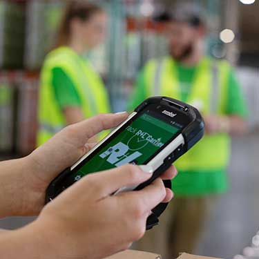 -r+l-global-logistics-warehousing-fulfillment-distribution-kitting-and-assembly-scanner